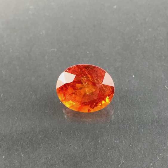 Large Spessartine / Mandarin garnet: 7,9 carat, excellent color. - photo 2