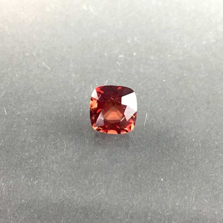 Natural spinel: a 2.2 carat, excellent ground. - photo 1