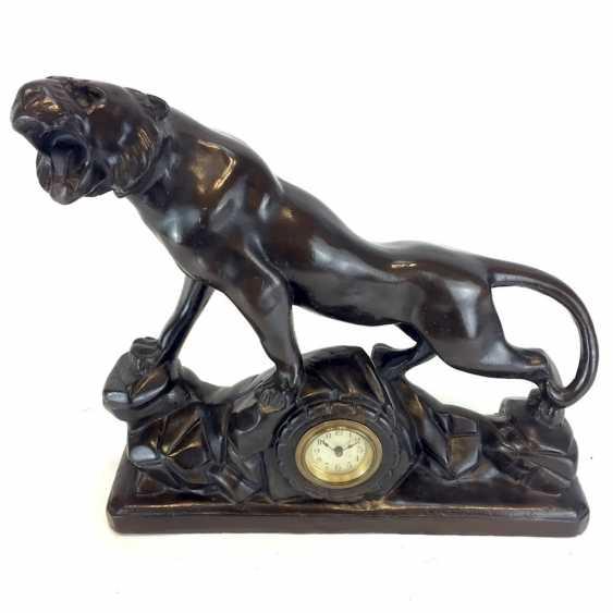 Art Deco animal figurine: sculpture of a Panther with clock / Aufsatzuhr. English to 1930. - photo 2