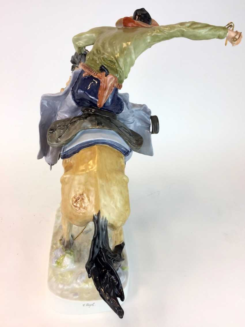 """Frederic Remington """"The Broncho Buster"""" The Bronco Buster, Kaiser porcelain, limited edition, painted. One of a kind! - photo 6"""