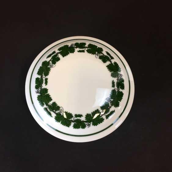 Jewelry Box / Zierdose: Meissen Porcelain Vine Leaf. - photo 2