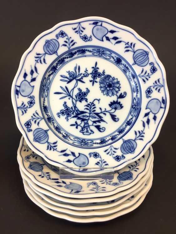 Six Plates: Meissen Porcelain Onion Pattern. - photo 1