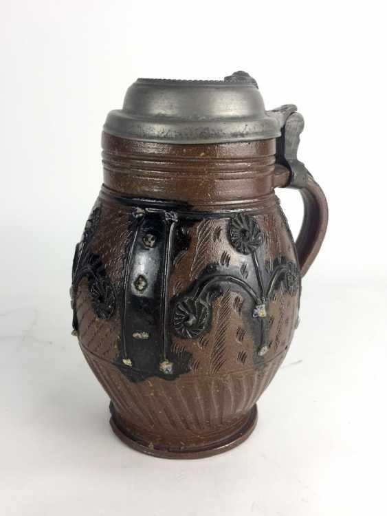 Baroque stoneware pear pitcher: glazed, original tin lid, Muskau, around 1780, in very good condition. - photo 2