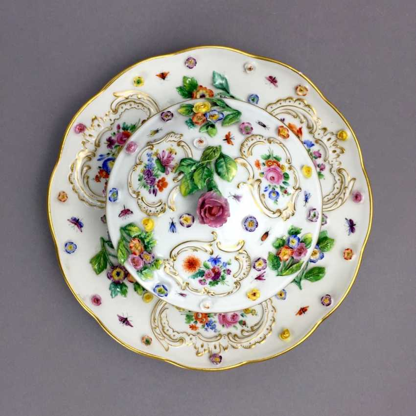 Ernst August, people, Ritz, for the Royal porcelain manufactory Meissen: lid tureen on Presentoir, put flowers in 1860 - photo 2