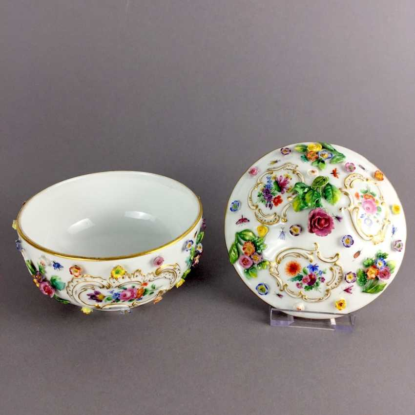 Ernst August, people, Ritz, for the Royal porcelain manufactory Meissen: lid tureen on Presentoir, put flowers in 1860 - photo 4