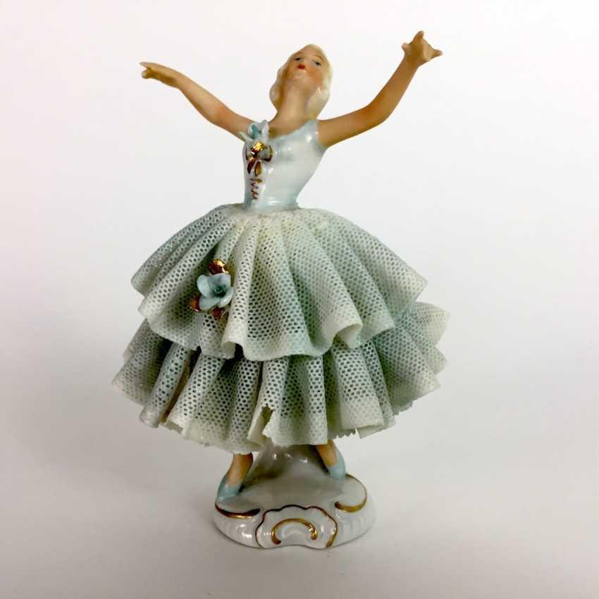 Ballerina im Tüllkleid: Porzellan. Unterweißbach, um 1940. - Foto 1