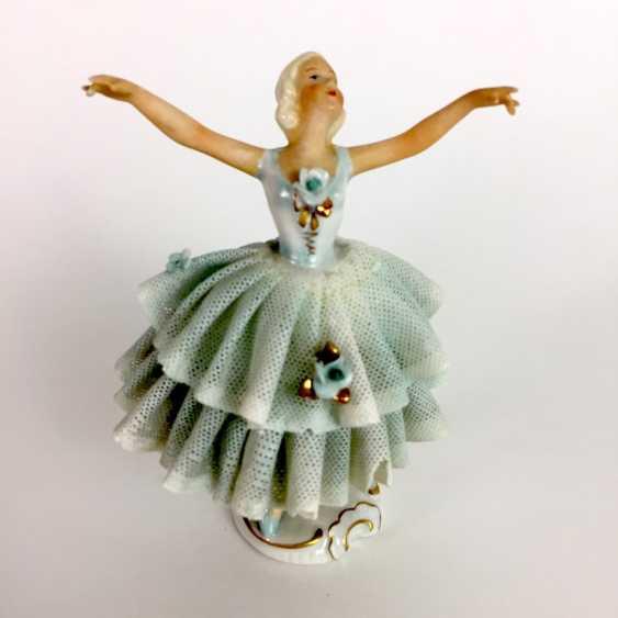 Ballerina im Tüllkleid: Porzellan. Unterweißbach, um 1940. - Foto 2