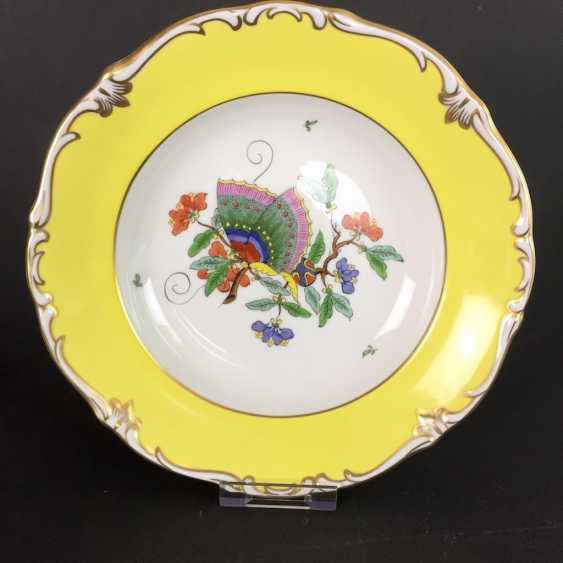 Institutional / Wall Plate: Porcelain Adorns. Chinese butterfly / Chinese painting, Gold equipped. very good. - photo 1