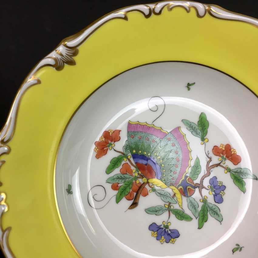 Institutional / Wall Plate: Porcelain Adorns. Chinese butterfly / Chinese painting, Gold equipped. very good. - photo 2