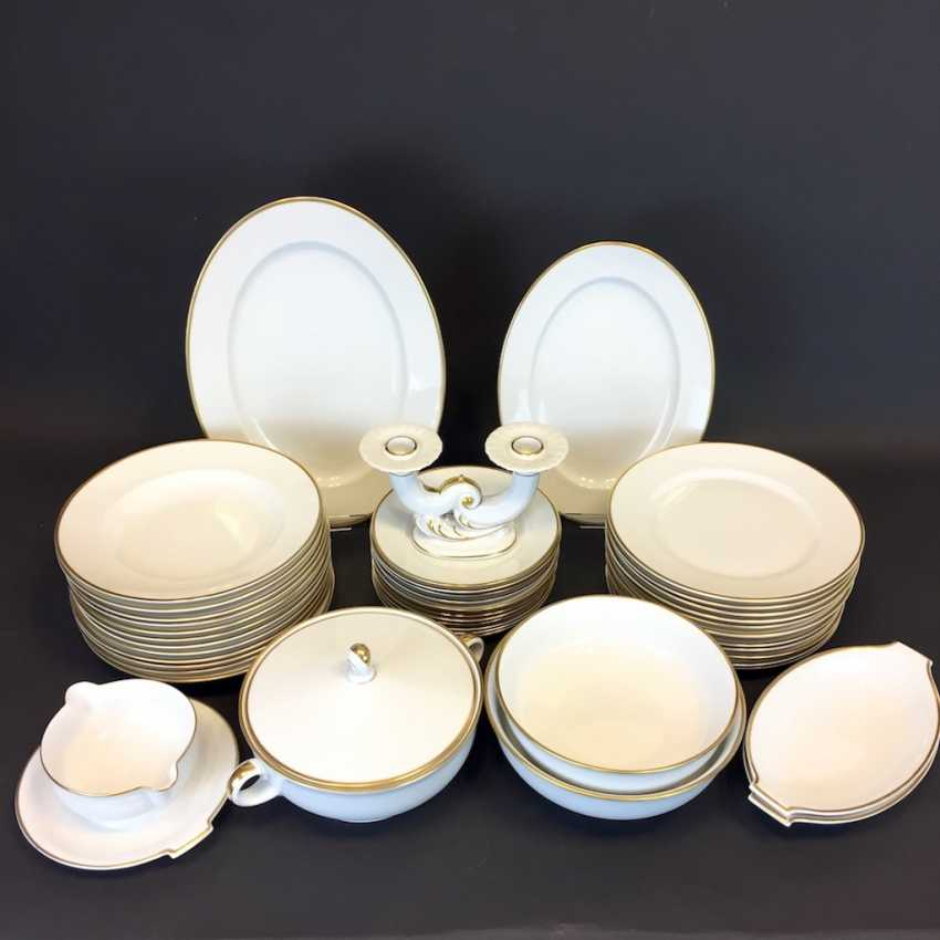 Extensive Art - Deco dining-Service: Rosenthal, gold edge, 12 people, very well. - photo 1
