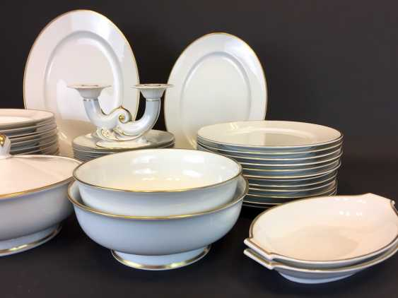 Extensive Art - Deco dining-Service: Rosenthal, gold edge, 12 people, very well. - photo 3