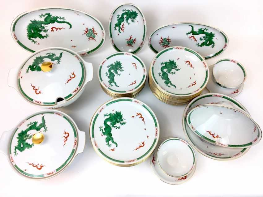 "Extensive food Service: Marked ""Meissen porcelain painting"", decorative Green dragon, gold edges, 12 people, very well - photo 1"