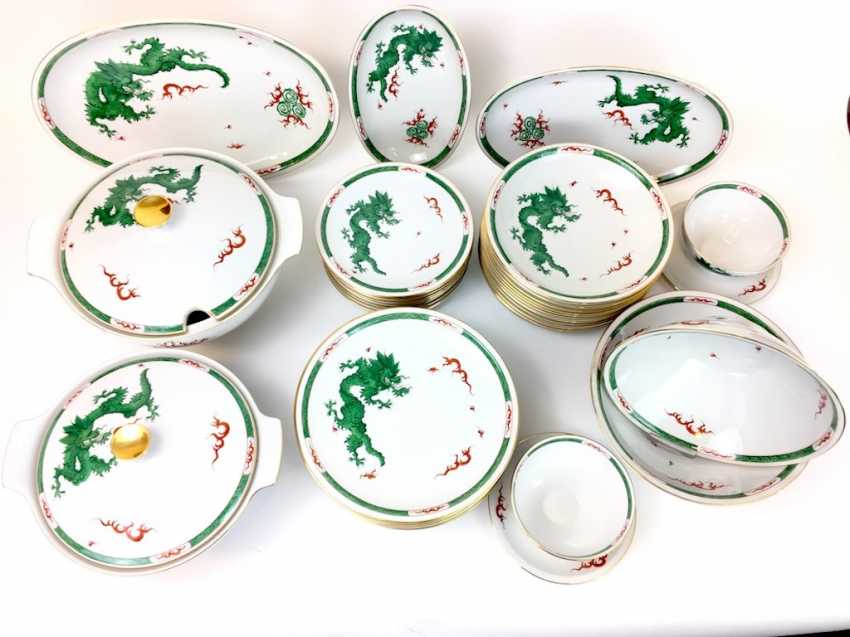 "Extensive food Service: Marked ""Meissen porcelain painting"", decorative Green dragon, gold edges, 12 people, very well - photo 2"