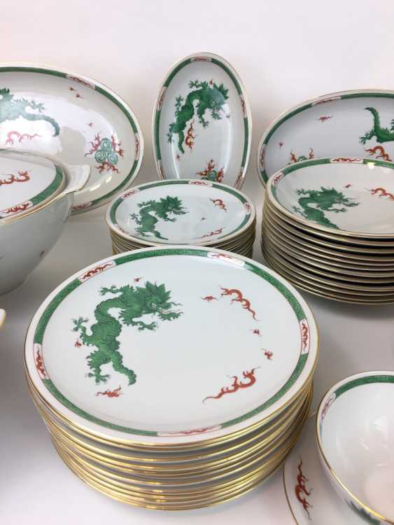 "Extensive food Service: Marked ""Meissen porcelain painting"", decorative Green dragon, gold edges, 12 people, very well - photo 3"