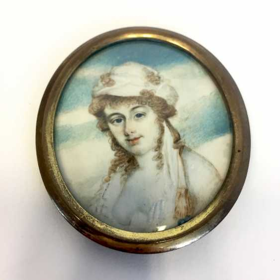 Nathanaiel Plimer (Wellington 1757 - 1822) attributed to: ivory miniature. Breast image of a young nobleman. London, around 1800 - photo 1