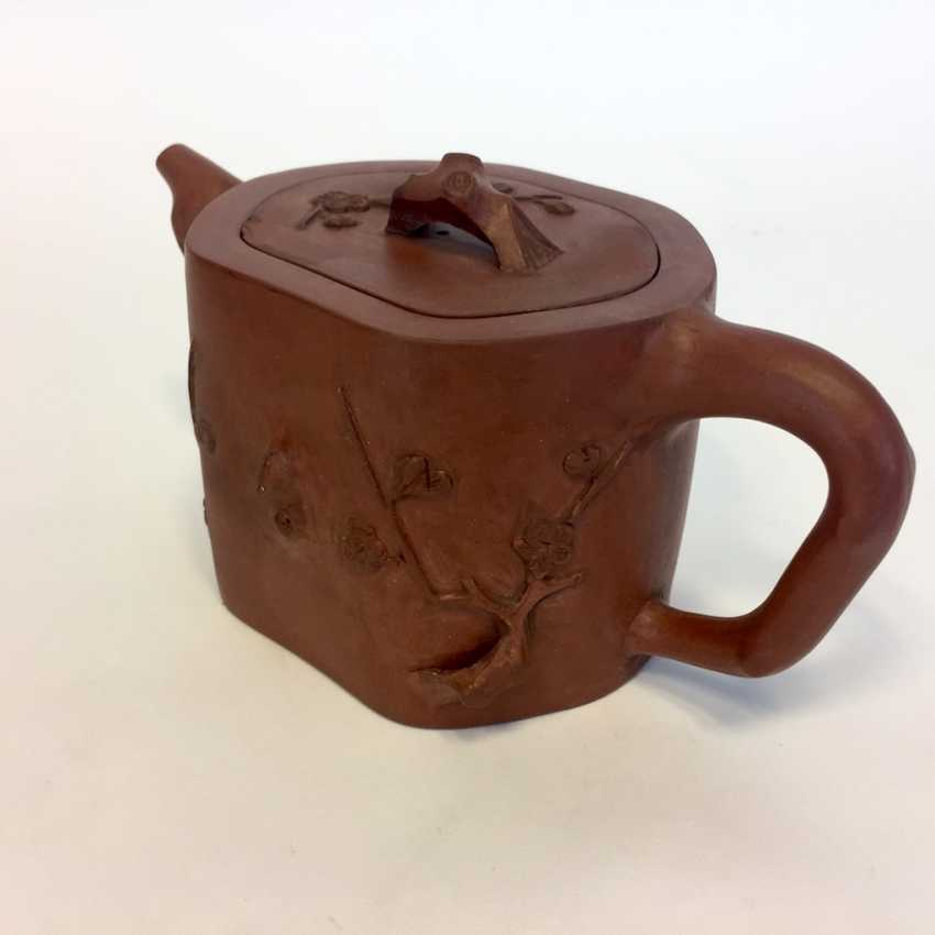Very rare Yixing teapot, China, 19th century. Century plastic decor. - photo 3