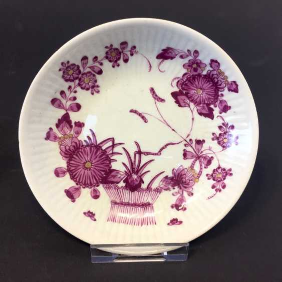 Late Baroque Cup / Saucer: Sublime Relief. Ludwigsburg, Germany around 1760. Very good. - photo 1