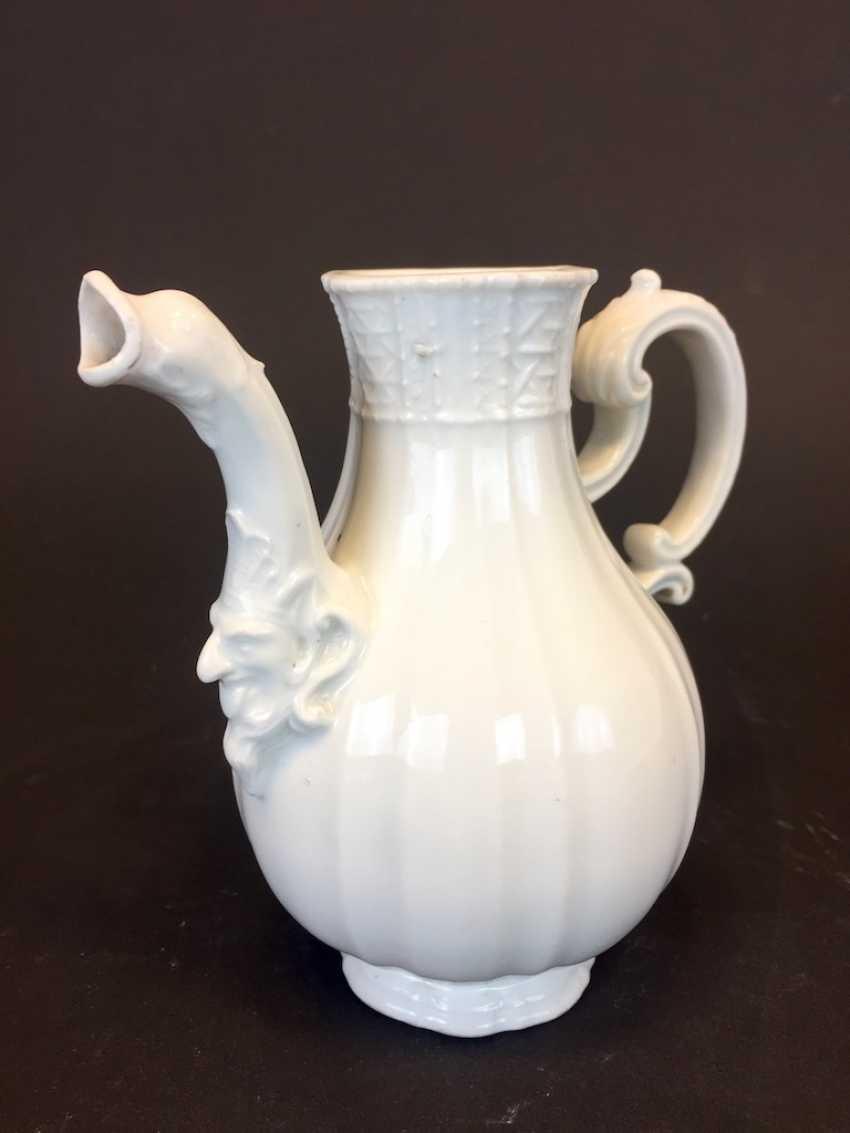Johann Joachim Kaendler for the Royal Porcelain factory of Meissen: Rococo jug, circa 1740, animal head spout. - photo 1