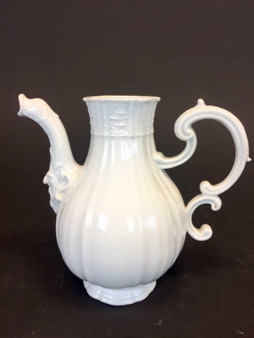 Johann Joachim Kaendler for the Royal Porcelain factory of Meissen: Rococo jug, circa 1740, animal head spout. - photo 2
