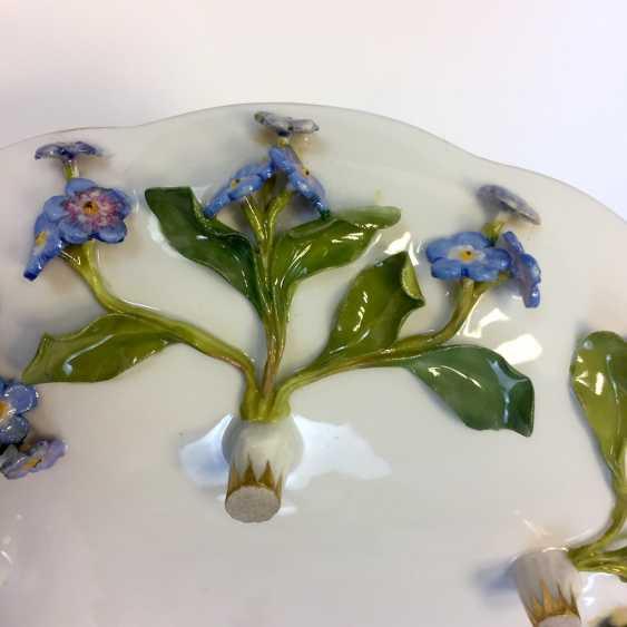 Ernst August, people, Ritz, for the Royal porcelain manufactory Meissen: lid tureen on Presentoir, put flowers 1850 - photo 4