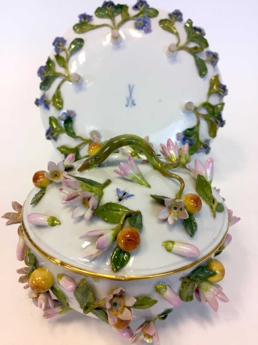 Ernst August, people, Ritz, for the Royal porcelain manufactory Meissen: lid tureen on Presentoir, put flowers 1850 - photo 5