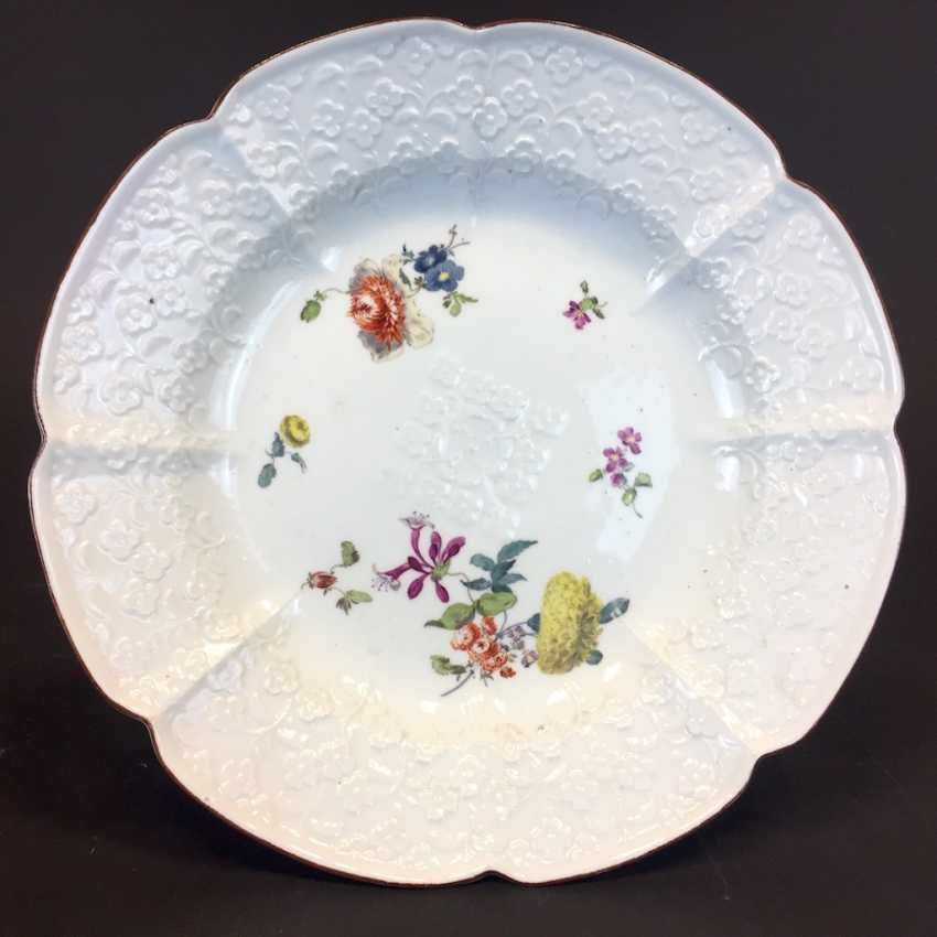 Panel attachment: Meissen porcelain, Relief altbrand stone, decorative flower Bouquet and scattered flowers, around 1860, very good. - photo 3