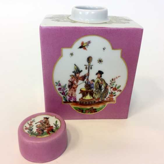 Large caddy: Meissen porcelain, Johann Georg Hörold, Chinoiserien, gold ornaments, very good. - photo 3
