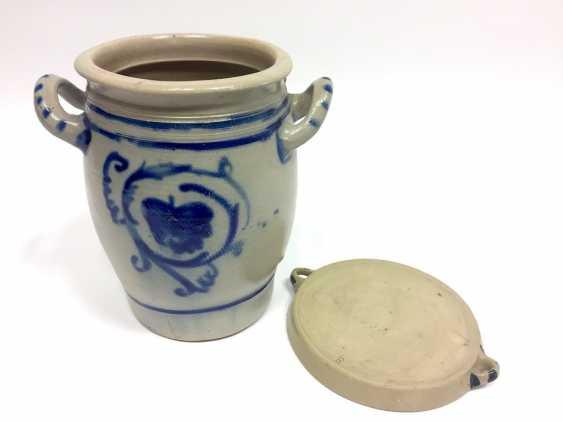 A large Westerwald stoneware pot with salt glaze. Um1900. - photo 2