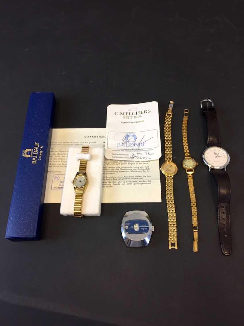 Mr bracelet watch: Ruhla digi 73 Scheibenuhr, as well as four watches. - photo 1