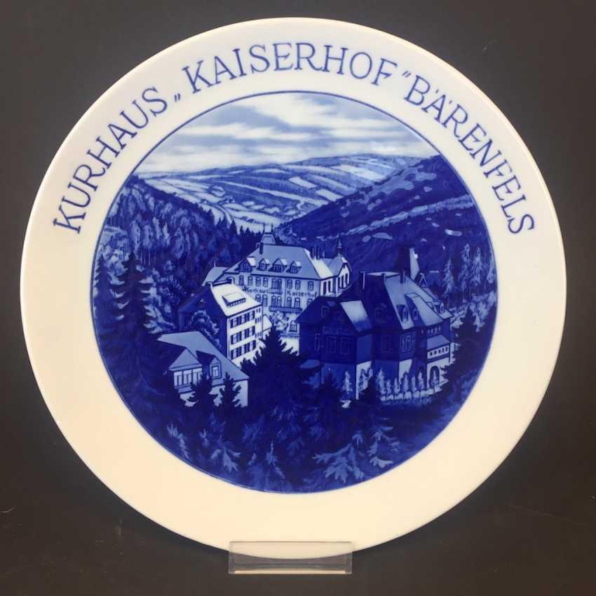 """Souvenir Plate: Kurhaus """"Kaiserhof"""" Bear Rock. Meissen Porcelain. - photo 1"""