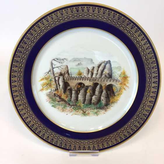 "Special views of plate: Meissen porcelain, gold rim, Form T-smooth, view ""Bastion"" / Saxon Switzerland. Unique. - photo 1"