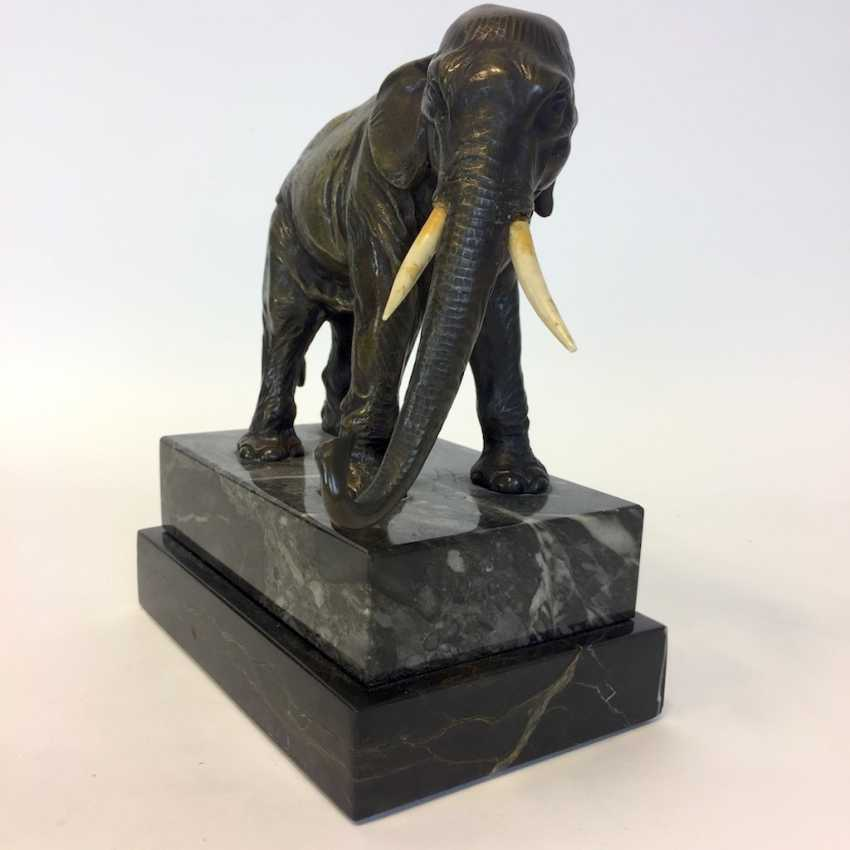 Bronze sculpture: elephant on marble and granite base. - photo 2