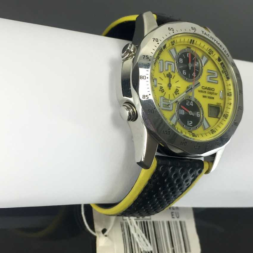 Casio Wave Ceptor WVQ-550LE-9AVER wrist watch for men. Yellow dial. Radio-controlled clock! - photo 2