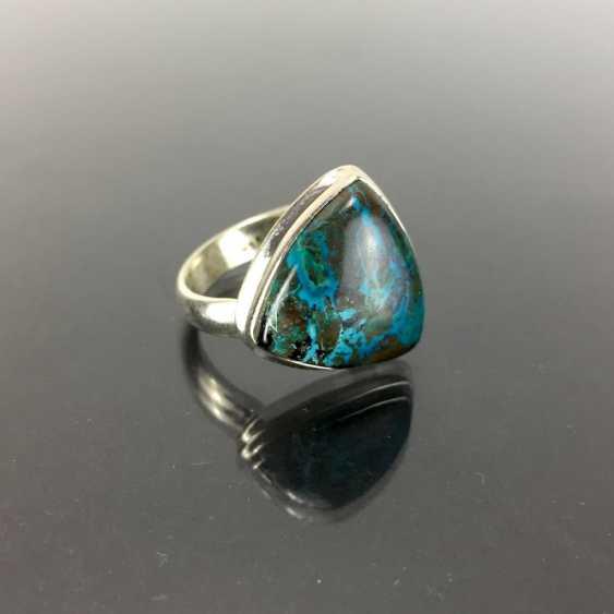 Стильное кольцо с большим камнем: Малахит и хризоколла около 8 карат в серебре 925 пробы. - фото 1