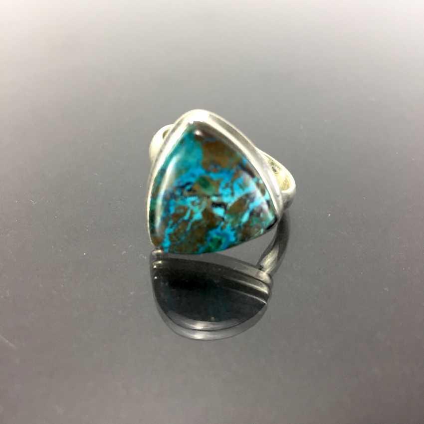 Стильное кольцо с большим камнем: Малахит и хризоколла около 8 карат в серебре 925 пробы. - фото 2