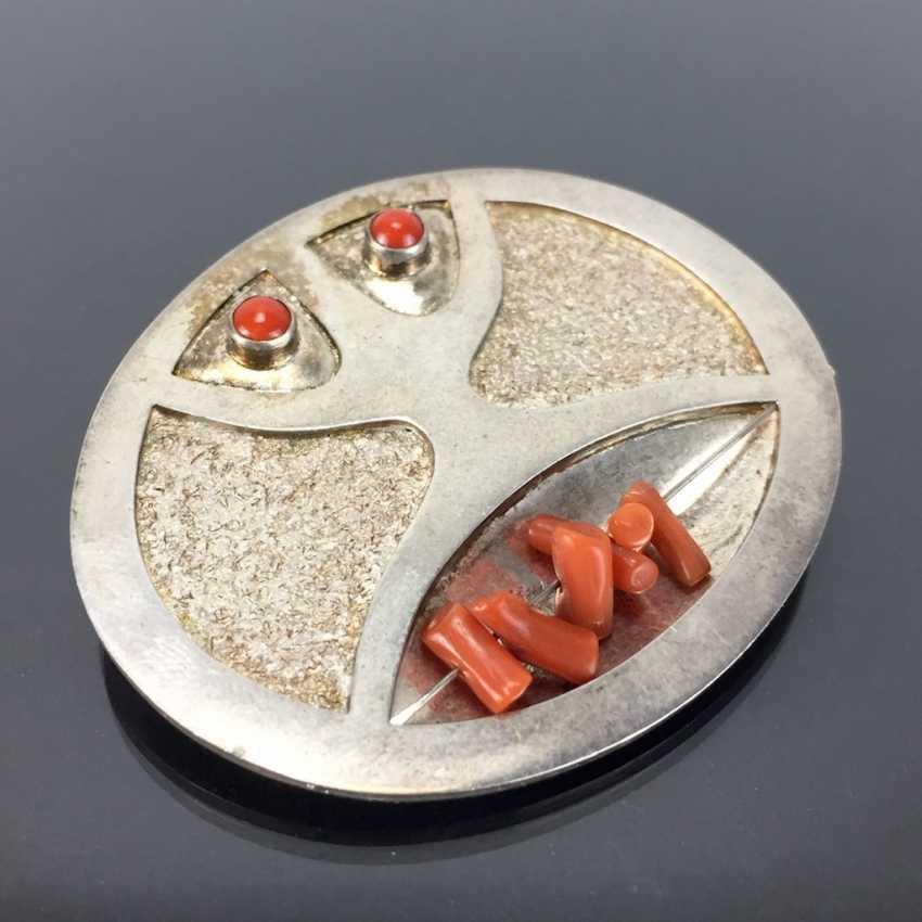 Освальдо Гуайасамина: Дизайнер Значки / Кулоны. Коралл и серебро. - фото 2