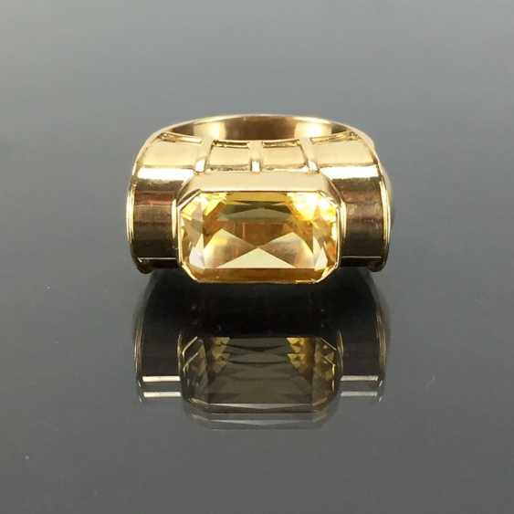 Respectable ladies ring with gold Topaz. Yellow gold 585. - photo 1