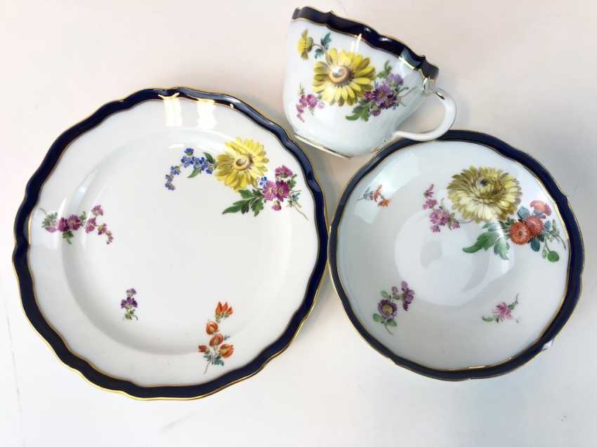 Coffee Service for 12 persons: Meissen porcelain, German flower, cobalt rim and Gold, very good. - photo 7
