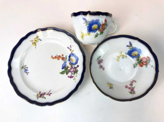 Coffee Service for 12 persons: Meissen porcelain, German flower, cobalt rim and Gold, very good. - photo 11