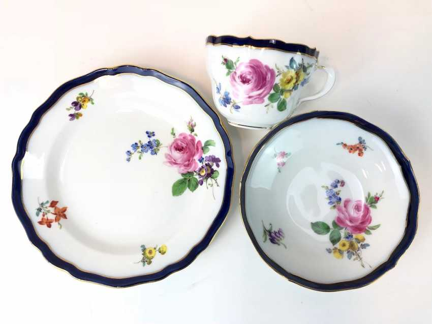 Coffee Service for 12 persons: Meissen porcelain, German flower, cobalt rim and Gold, very good. - photo 12