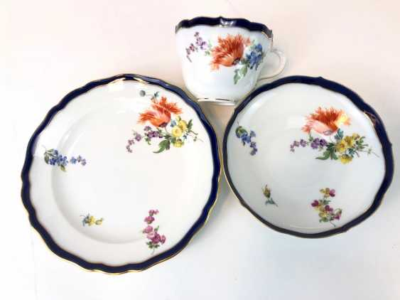 Coffee Service for 12 persons: Meissen porcelain, German flower, cobalt rim and Gold, very good. - photo 13