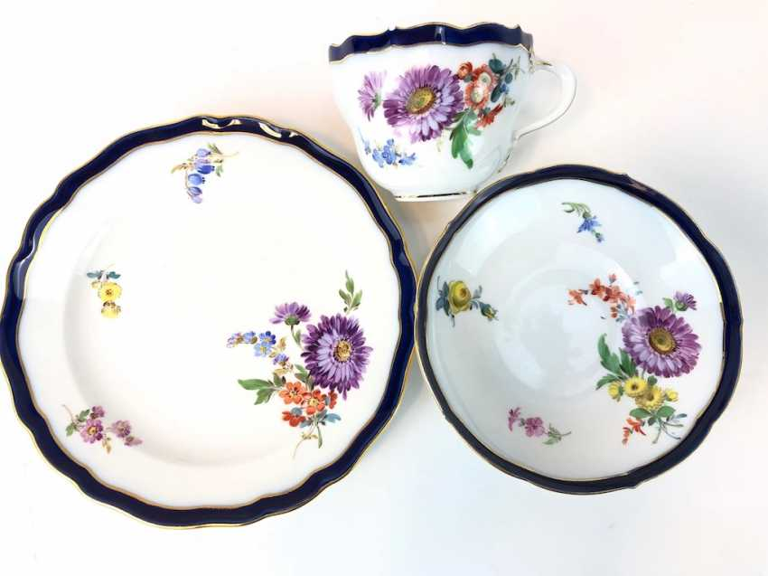 Coffee Service for 12 persons: Meissen porcelain, German flower, cobalt rim and Gold, very good. - photo 16