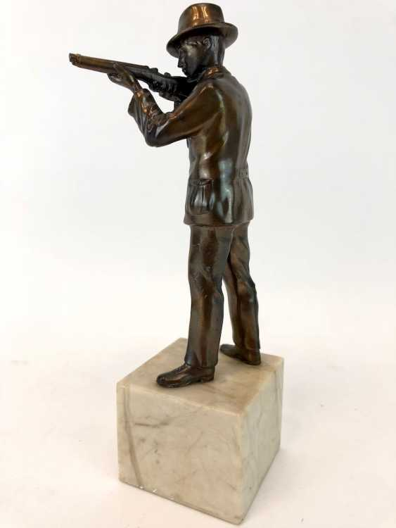 Hunter figure-protect Cup / on the marble base. - photo 1
