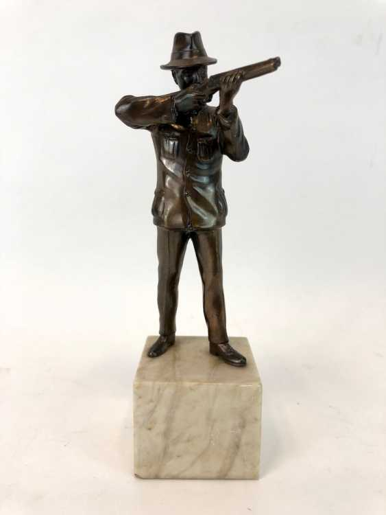 Hunter figure-protect Cup / on the marble base. - photo 2