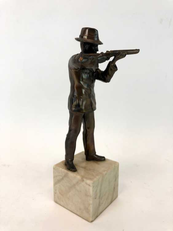 Hunter figure-protect Cup / on the marble base. - photo 3