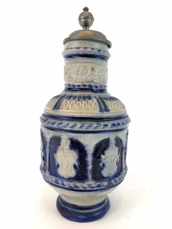 Stoneware pitcher, salt glazed, original tin lid, coat of arms decorated, very good condition. - photo 2
