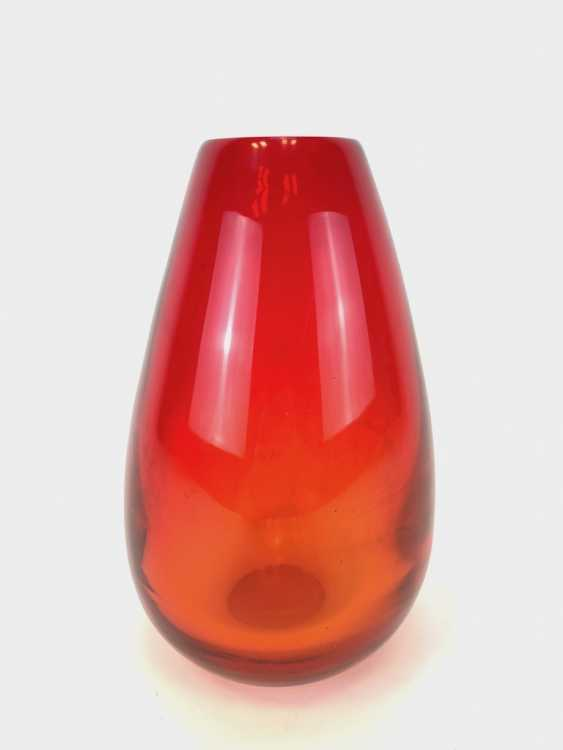 Great Shading, Vase: Red, Hand Work. - photo 1
