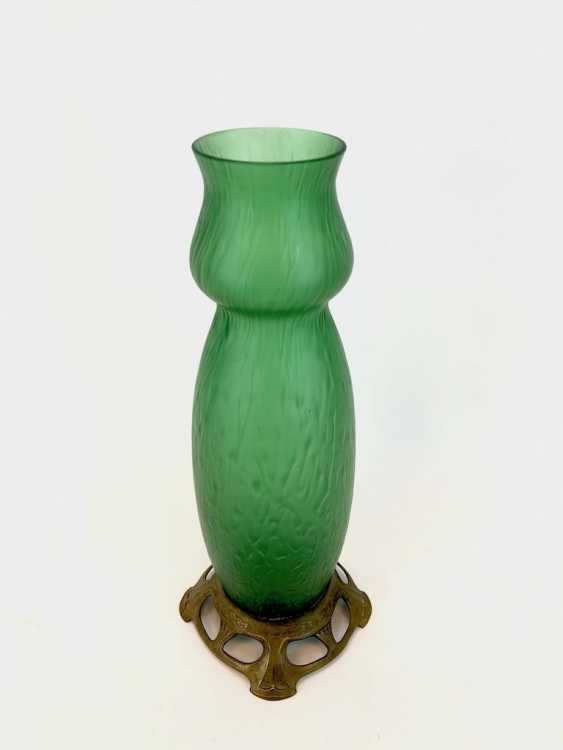 Form Beautiful Vase: Art Nouveau Hand Work. - photo 2