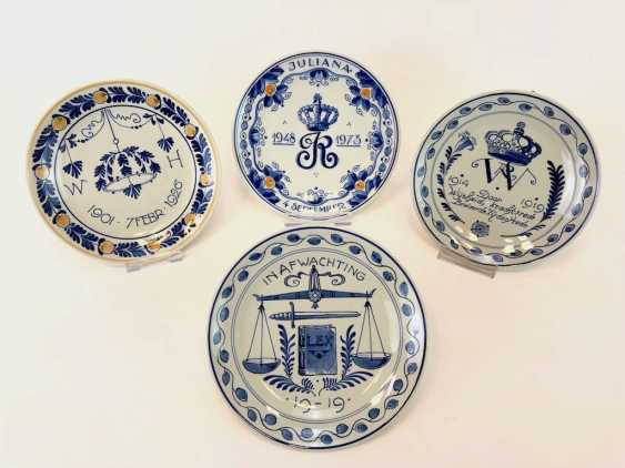 Four plates Delft / anniversary plate: 25-year jubilee in 1973. At the end of WK I, 1919. 25-year wedding anniversary, 1926. - photo 1
