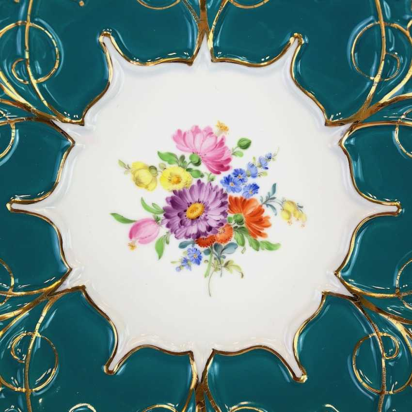Exceptional Ceremonial Plate: Meissen Porcelain, Russian Green, Flower Bouquet, Gold. Very good. - photo 2